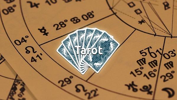 tirada rueda astrológica